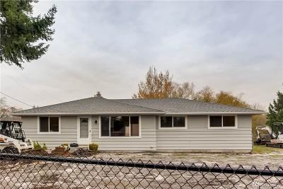 Burien Single Family Home For Sale: 16852 Des Moines Memorial Dr S