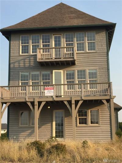 Single Family Home For Sale: 1140 W Ocean Shores Blvd SW