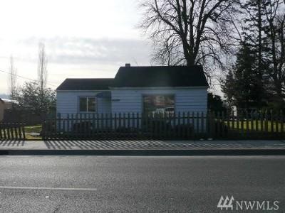 Mount Vernon Multi Family Home For Sale: 2400 E College Wy