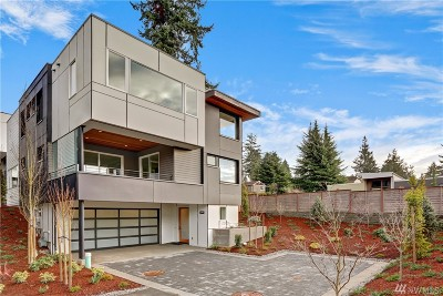 Kirkland Condo/Townhouse For Sale: 11707 NE 78th Ct