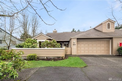 Issaquah Condo/Townhouse For Sale: 3674 224th Place SE #1306