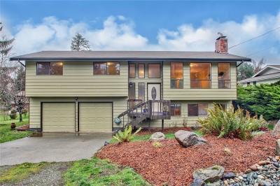 Oak Harbor Single Family Home For Sale: 727 Greenoch Lp