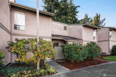Kirkland Condo/Townhouse For Sale: 10045 NE 138th Place #E-2