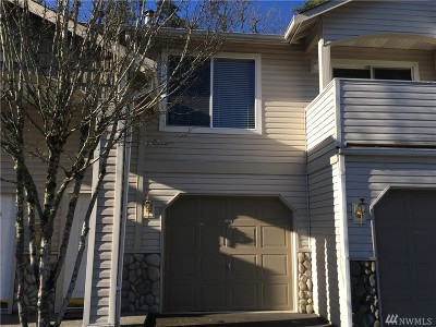 Bothell Condo/Townhouse For Sale: 2201 192nd St. SE #X204