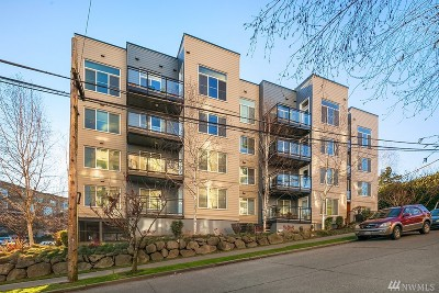 Seattle Condo/Townhouse For Sale: 3202 SW Avalon Wy #303