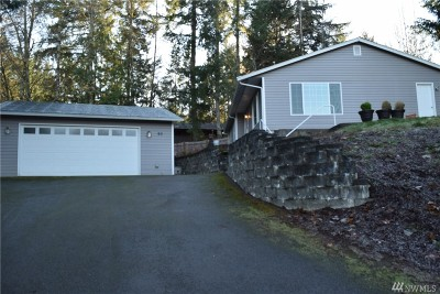 Mason County Single Family Home Pending Inspection: 90 SE Lupine Ct