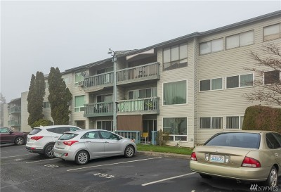 Tukwila Condo/Townhouse For Sale: 15142 65th Ave S #821