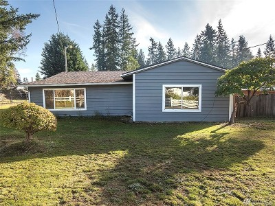 Everett Single Family Home For Sale: 11919 Nels Peters Rd