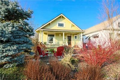 Single Family Home Sold: 211 N Oak St