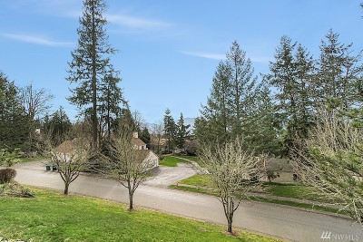 Issaquah Condo/Townhouse For Sale: 4081 224th Lane SE #214