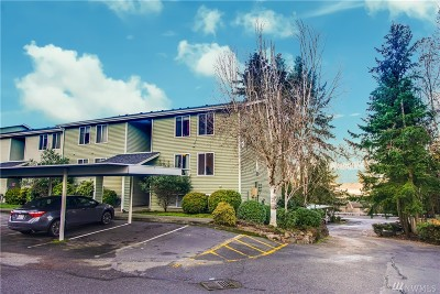 Bellevue Condo/Townhouse For Sale: 4189 W Lake Sammamish Pkwy SE #B210