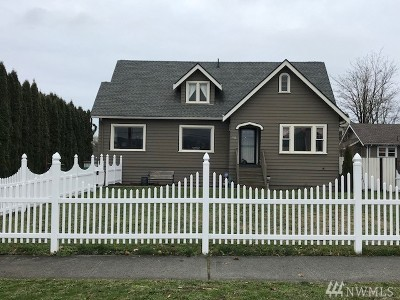 Enumclaw Single Family Home For Sale: 542 Semanski St