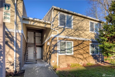 Everett Condo/Townhouse For Sale: 820 Cady Rd #D206