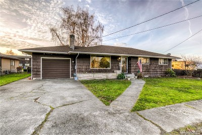 Buckley Single Family Home For Sale: 361 Fulton St