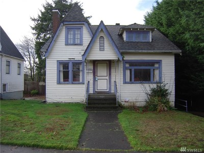 King County Single Family Home For Sale: 347 29th St