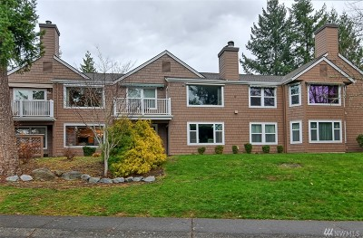 Issaquah Condo/Townhouse For Sale: 4082 220th Place SE #1037