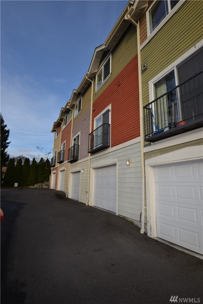 Tacoma Condo/Townhouse For Sale: 4401 S 12th St #C