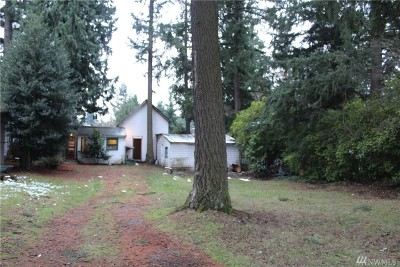 Seattle Single Family Home For Sale: 19 SW 100th St