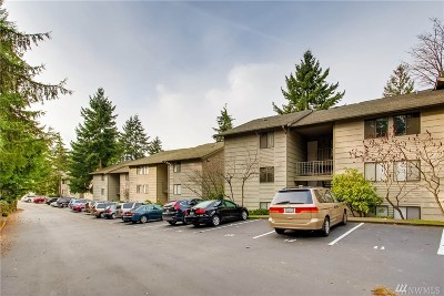 Bellevue Condo/Townhouse For Sale: 12117 NE Bel Red Rd #B202