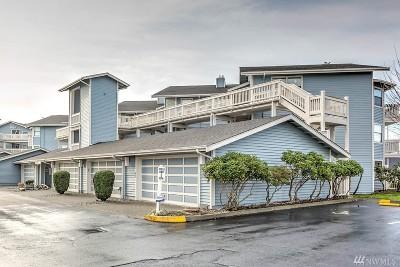 Condo/Townhouse For Sale: 651 SE Bayshore Dr #B105