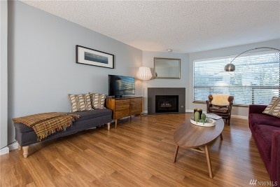 Seattle Condo/Townhouse For Sale: 9416 1st Ave NE #105