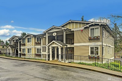 Kirkland Condo/Townhouse For Sale: 11215 NE 128th St #L204