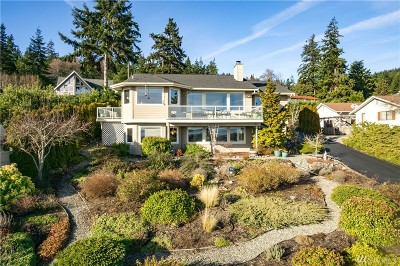 Island County Single Family Home For Sale: 2261 Cove Drive
