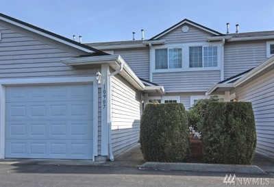 Puyallup Condo/Townhouse For Sale: 10907 63rd St E