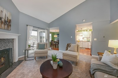 Seattle Condo/Townhouse For Sale: 9008 25th Ave SW #C302