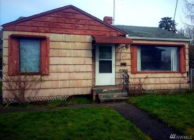 Seattle Single Family Home For Sale: 3922 Eddy St