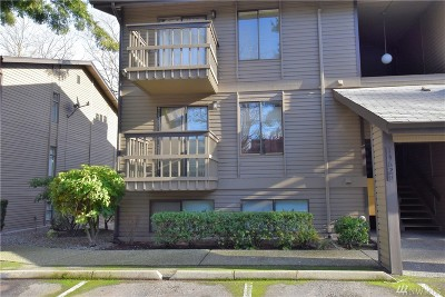 Bellevue Condo/Townhouse For Sale: 14630 NE 35th St #105