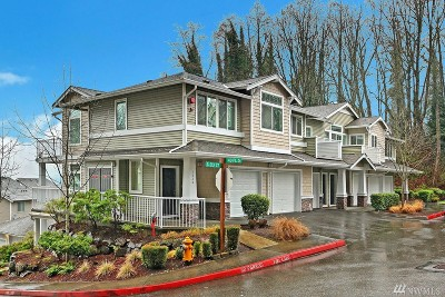 SeaTac Condo/Townhouse For Sale: 4030 S 213th Ct #B