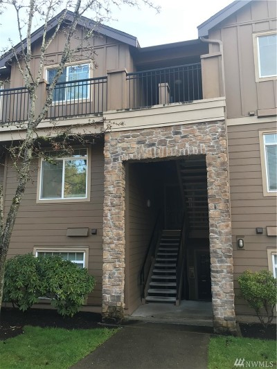 Bothell Condo/Townhouse For Sale: 18930 Bothell Everett Hwy #V303