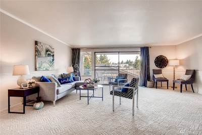 Mercer Island Condo/Townhouse For Sale: 2920 76th Ave SE #211