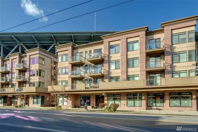 Seattle Condo/Townhouse For Sale: 3217 Eastlake Ave E #210