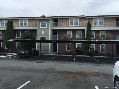 Everett Condo/Townhouse For Sale: 9815 Holly Dr #A-306