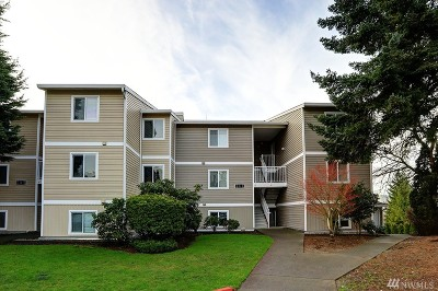 Kirkland Condo/Townhouse For Sale: 12429 NE 130th Ct #G203