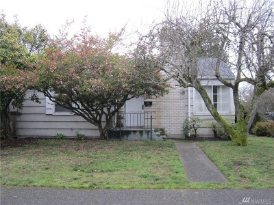 Seattle Single Family Home For Sale: 3318 38th Ave W