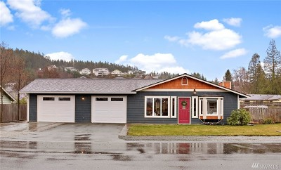 Anacortes Single Family Home For Sale: 3701 W 5th St