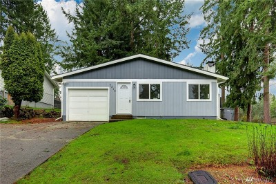 Steilacoom Single Family Home For Sale: 2308 C St