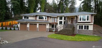 Lakewood Single Family Home For Sale: 11826 Interlaaken Dr SW