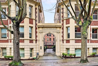 Condo/Townhouse Sold: 129 Warren Ave N #H