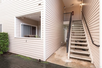 Bonney Lake Condo/Townhouse For Sale: 8403 Locust Ave E #A1