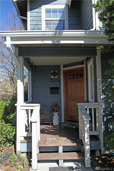 Seattle Single Family Home For Sale: 2424 S Irving St
