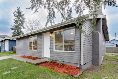 Pierce County Single Family Home For Sale: 412 E 78th St