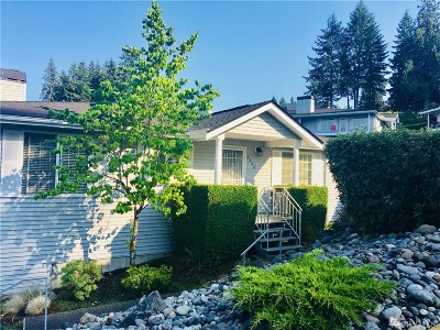 Gig Harbor Condo/Townhouse For Sale: 3846 Snyder Lane #9-a