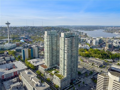 Condo/Townhouse Sold: 583 Battery St #702N