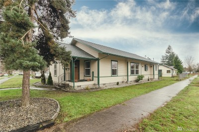 Centralia Single Family Home For Sale: 501 S King St