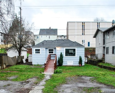 Everett Single Family Home For Sale: 3323 Hoyt Ave