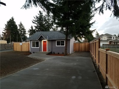 Burien Single Family Home For Sale: 419 SW 122nd St